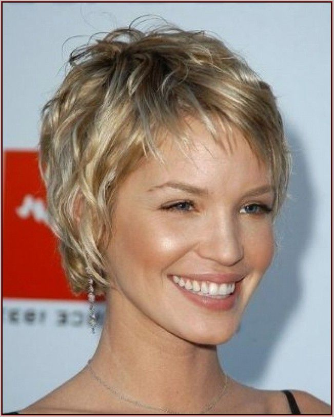 Best Short Haircuts For Women Over 50 With Thin Hair