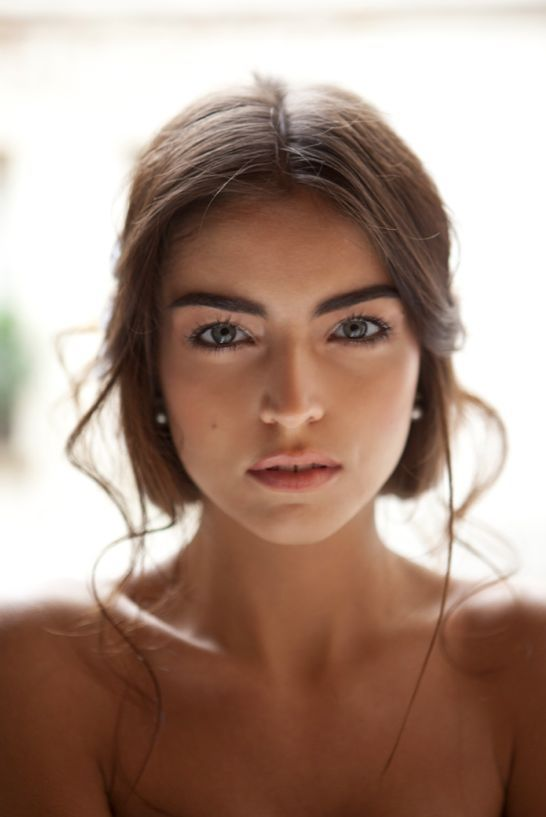 Girls With Nice Natural Eyebrows